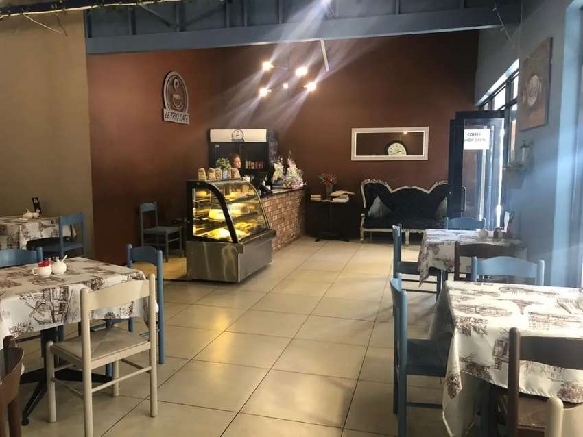 Almost new coffee shop for sale! 0