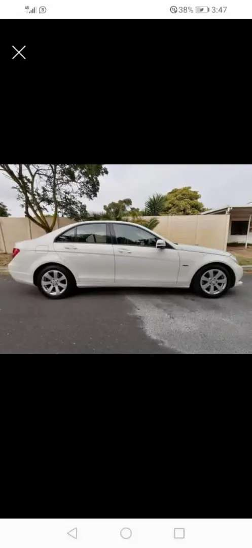 Selling Mercedes C180 model 2013 working well no problems