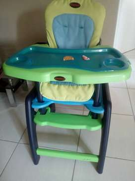 2-in-1 Chelino Baby Feeding Chair / Play Table In Great Working Order