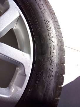 Goodyear tiyers and Discovery rims 2020 model 19 inch 255/60R19
