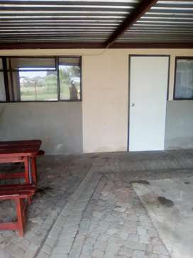 2 bedroom flat to rent R3600 pm