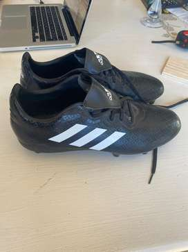 Adidas soccer/rugby boots