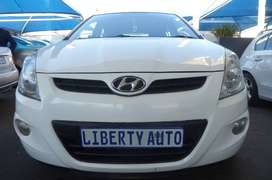 2010 Hyundai i20 1.6 FLUID Hatch Back 80,000km Manual LIBERTY AUTO
