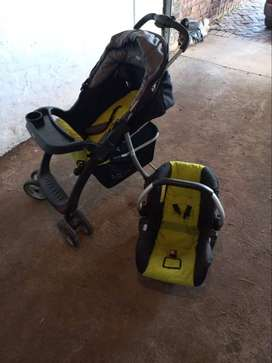 Bounce Pram and infant carseat