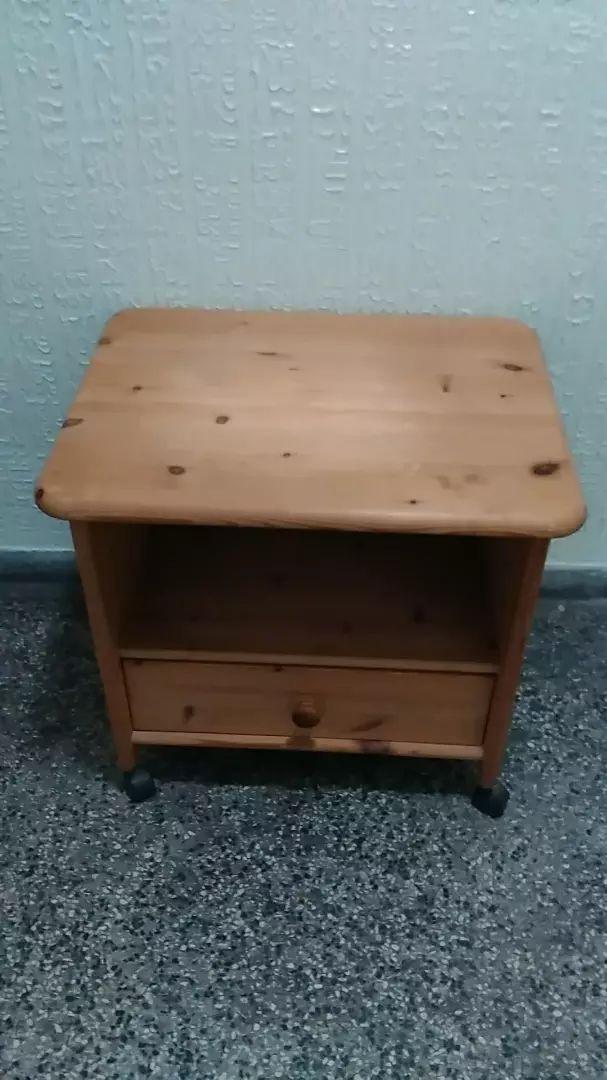 Pojízdný stolek 58x63x48 cm. 0