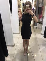 Czarna sukienka półgolf A