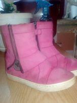 модные яркие стильные ботинки 26 размер
