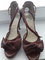 sandały skórzane, szpilki