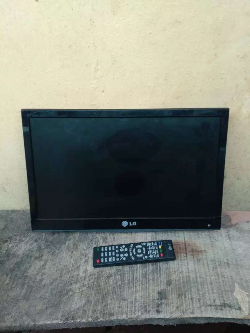 19inch LCD TV and DVD combine 0