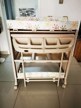 Chelino Baby Bath and Changing Station