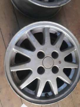 VW may rim good clean condition