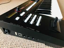 Roland XPS-10 EXPANDABLE PERFORMANCE SYNTHESIZER