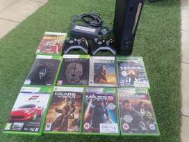 Xbox 360 120gb + 2 Wireless Controllers + 9 Games