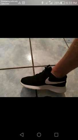 Looking for these takkies