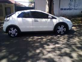 2013 Honda civic, automatic,service book, leather interior, 137,000km,
