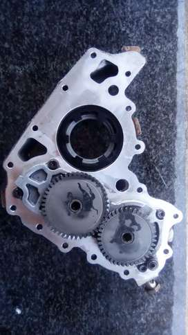 Vacuume/oil pump assembely