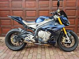 Superb 2014 BMW S1000R. 20,000kms