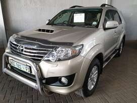 ^2012 Toyota Fortuner 3.0 D4D Auto 4x4-A Must See-128500km