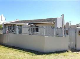 3 Bedroom house to rent in Panorama
