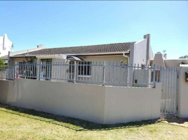 3 Bedroom house to rent in Panorama 0