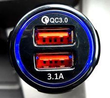 Зарядные устройства в прикуриватель авто