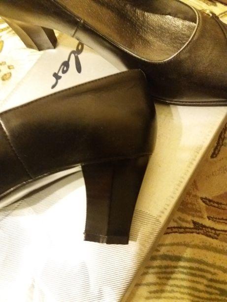 Туфлі 39 р.чорні шкіряні з темно- сірими вставками ТМЛідер Львов - изображение 4