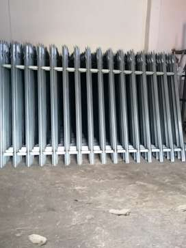Selling palisades fence and Gate all sizes