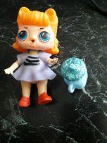 ЛОЛ куколка и Маша на коньках из Киндр