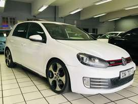 2010 VW GOLF 6 GTI DSG WITH SUNROOF. FULL HOUSE.  EXCELLENT!!