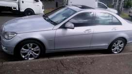 MERCEDES BENZ C350 WITH SUN ROOF AND SPARE KEYS
