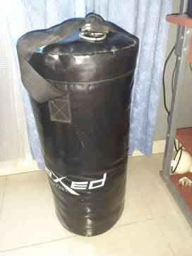 Maxed contact punching bag
