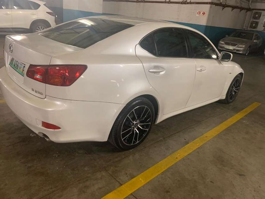 Lexus IS 250 in great condition 0