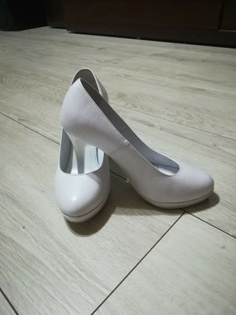 Ślubne buty / białe buty/ szpilki Lubin - image 2