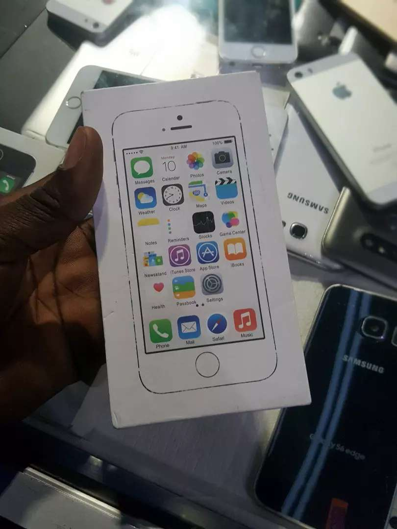 IPhone 5s 16 and 32gig 0