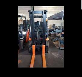Forklift repairs and tyre solid