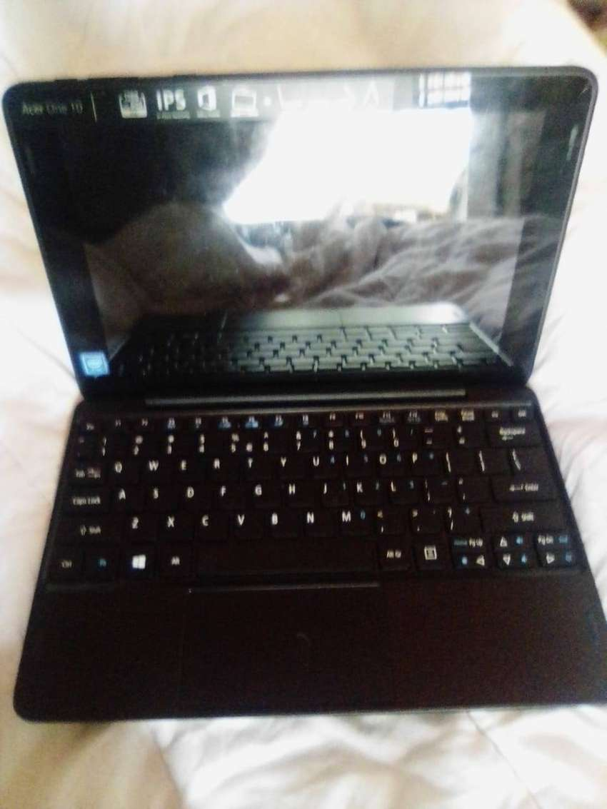 Acer One 10 tablet/notebook