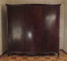 Антикварный шкаф (гардероб) из красного дерева, 1919–1930 гг.