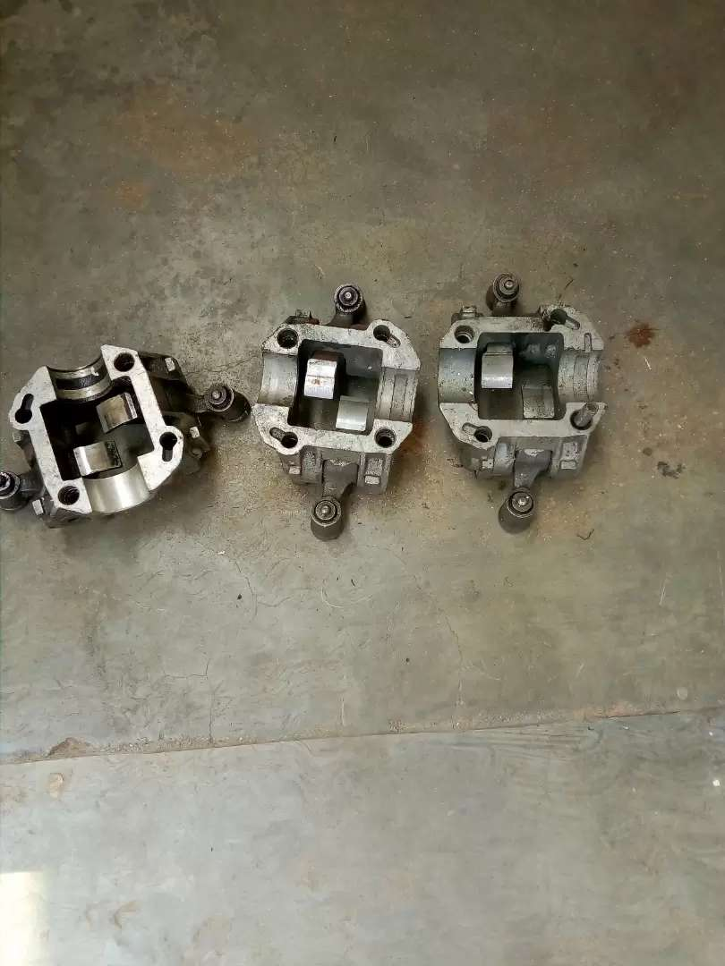 Mercedes Benz 124 series cam followers and other engine patrs 0