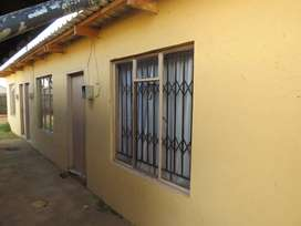 Room for rent. Protea Glen ext 7. with outside shower and secured yard
