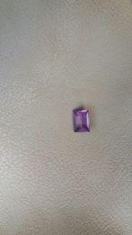 Продам камень камушек ювелирный изъят из золотого кольца 9 мм × 7 мм.