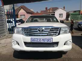 2011 Toyota Hilux 2.4 Diesel FOR SALE !