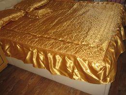 Новый комплект на кровать (подушки+покрывало). Цена снижена! 2200 руб!