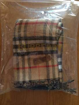 Brand new !! Burberry England london scarf for sale