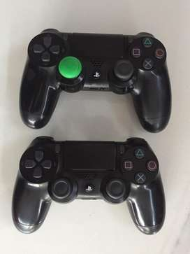 Ps4 v2 controllers R600 each