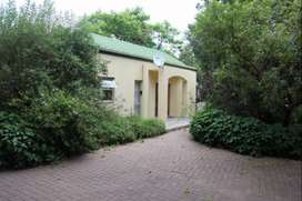 Tranquil Self-Catering, furnished cottage close to Lanseria Airport