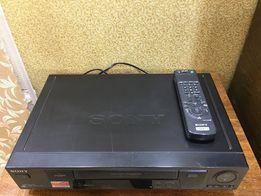 Видеомагнитофон Sony SLV-SE700R + VHS-кассеты (50шт)