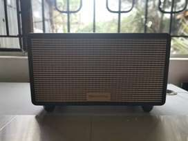 Bluetooth Retro style , BASS and Treble speaker ( trades accepted )