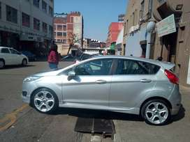 Ford Fiesta ecoboost 1.0 Titanium for SALE.