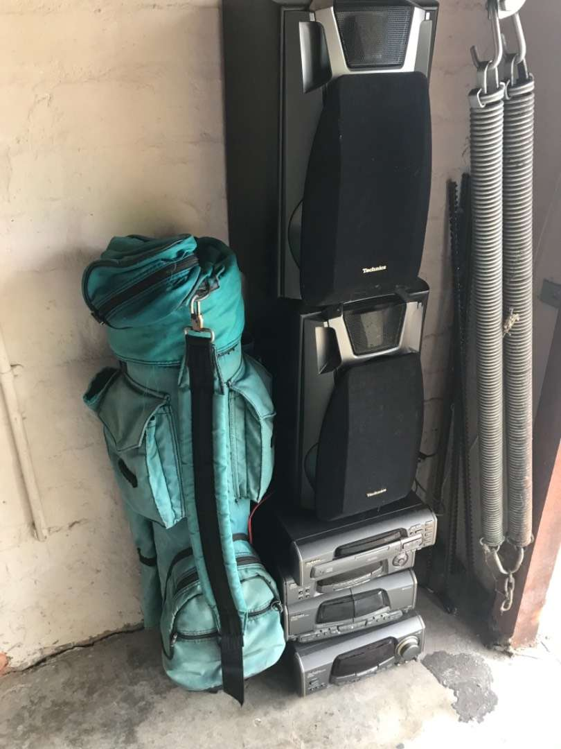 Technics Hi Fi with speakers and golf bag.  R 400. 0