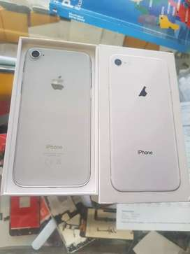 iPhone 8 64 gb white colour fresh as new